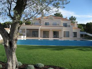 DDBC - 5 Bedroom Holiday Villa - Faro vacation rentals