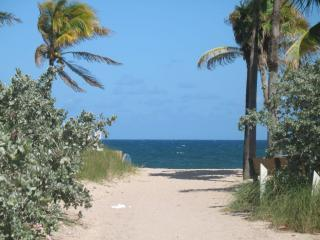 Beach Entrance - Villa Miceli NEW 3BR/HOME 1 BLK TO BEACH/DINING/SHOPS!!! - Fort Lauderdale - rentals