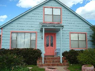 3 Bedroom 2 bath split level home right in the middle of town! - Port Aransas vacation rentals