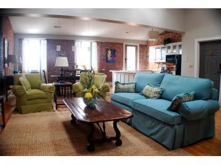 Historic Downtown Wilmington Loft on Market Street - Wilmington vacation rentals