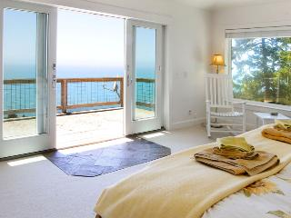 Clarks Cove~Picturesque Ocean View Redwood Retreat on the Pacific Coast - Jenner vacation rentals