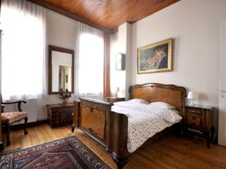 Lovely flat with historical view in Istanbul, No.7 - Istanbul vacation rentals