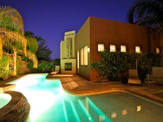 'Montage' Pool, Spa, Outdoor Fireplace, Foosball - La Quinta vacation rentals