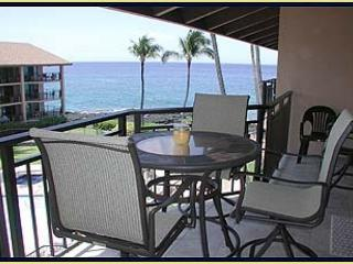 1 bedroom with loft in a wonderful Ocean Front Community - Kailua-Kona vacation rentals