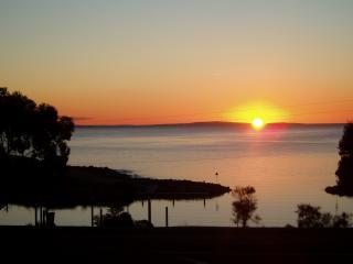Sunset over Christmas Cove - Sunset Retreat B&B - Penneshaw - rentals