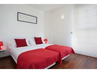 BWH Born - Beach  4-1 Stunning Apt with terrace - Barcelona vacation rentals
