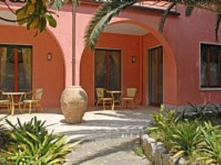 Appartamento Rosabella B - Sorrento vacation rentals