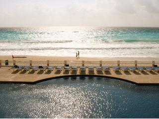 2 bedroom 2 Bath...Beautiful...Sleeps up to 6 - Cancun vacation rentals