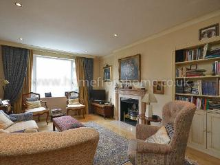 Delightful and classic period home – South Kensington - London vacation rentals