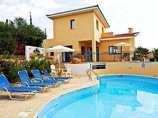 APOLLON HARMONY villa 2 bedrooms Own large pool - Coral Bay vacation rentals