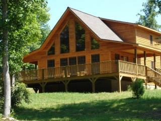 Romantic Chalet in Murphy - Romantic Mountain Cabin with Pond & Gazebo - WiFi - Murphy - rentals