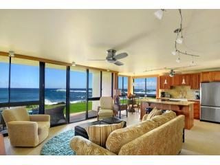 Open Living Area with Beach Access! - POIPU, KAUAI, OCEANFRONT 2BD/2BA, KUHIO SHORES 114 - Koloa - rentals