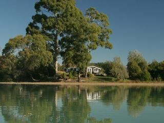 Karaka Cottage at Matahua Cottages, Mapua-Nelson - Nelson vacation rentals