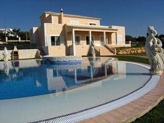 Villa Mariogo-luxury  4 bedroom, 4 bathroom villa - Carvoeiro vacation rentals
