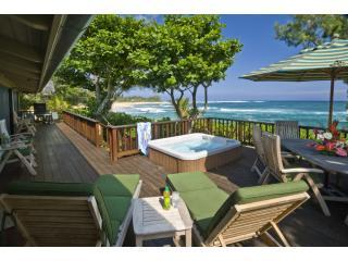 Relax and enjoy the view from the ocean front deck - Kaulana Naue - Haena - rentals