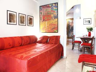 Picturesque and cozy ORSO LODGE - Piazza Navona - Lazio vacation rentals