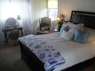 calif cott bedroom 004.JPG - The California Cottage at Windansea  in La Jolla - La Jolla - rentals