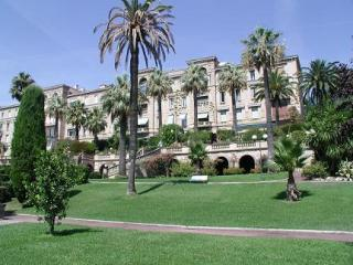 SPECIOUS 3 BEDROOM APARTMENT IN HEART OF CANNES - Nice vacation rentals