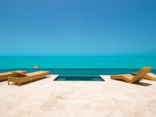 Balinese - Enjoy a Gorgeous Ocean View Villa with heated Jacuzzi, Cascading Pool and Staff - Turks and Caicos vacation rentals