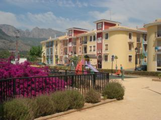 Well-appointed apartment in the Spanish mountains. - Alicante vacation rentals