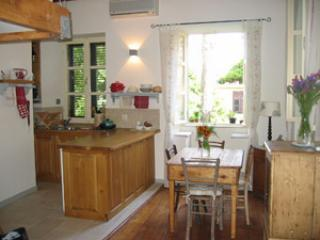 Old Bakery - Kitchen and Dining areas - Old Bakery, sleeps 3, open plan, Old Town. - Dubrovnik - rentals