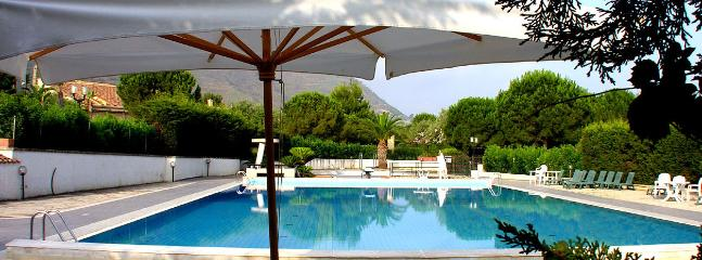 Villa in Sicily with Access to a Small Private Beach - La Siciliana - Image 1 - Cefalu - rentals