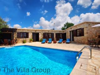 Idyllic 4 Bedroom/1 Bathroom House in Paphos (Villa 467) - Neo Chorion vacation rentals