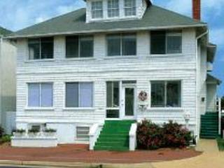 Cutty Sark Historic Beach Cottage White house Mr. Jim's - Virginia Beach vacation rentals