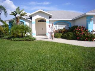 Proud owners of this lovely villa - Paradise Villa - Relax, Golf, Fish, Swim, Beach - Rotonda West - rentals