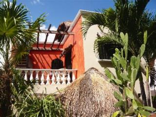 View from Garden to Villa Maya  - Villa Maya Cancun Groundfloor - Cancun - rentals