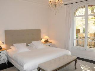 Passy Vignes - Paris is Chic - 16th Arrondissement Passy vacation rentals