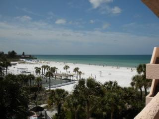 View from the private balcony & Master bedroom - Stay On Siesta Key Beach - No Shoes Required! - Siesta Key - rentals