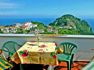 CASA  FIORE - 2 Bedrooms - Scala - Amalfi Coast - Massa Lubrense vacation rentals