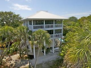 Rum Point - 5 BR/3.5 BA Pool-2 Golf Carts/slips - North Captiva Island vacation rentals