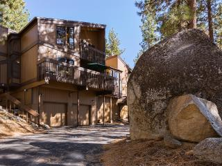 Hot Tub, Wi-Fi, Foosball, Tennis,-Sleeps 10, 9 beds, - Nevada vacation rentals