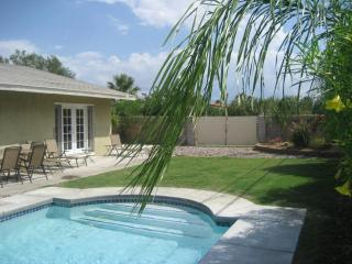 Palm Springs Vacation Pad - Modern pool home - Palm Springs vacation rentals