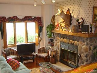 Living Room, 32 in HDTV, Fireplace - WATERFRONT Whiteface Club FREE BEACH - Lake Placid - rentals