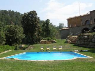 El Munt with indoor & outdoor pool, ping-pong, basketball, football and play area - Catalonia vacation rentals