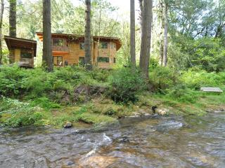 Below the Falls Lodge- by Golden & Silver Falls - Coos Bay vacation rentals