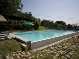 BOOK NOW SEPTEMBER OR OCTOBER, NEW SPECIAL PRICES!! Pool, AC and Wifi free connection! - Lucca vacation rentals
