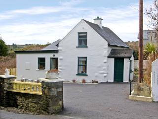 STATION COTTAGE, family friendly, with a garden in Ballydehob, County Cork, Ref 3890 - County Cork vacation rentals