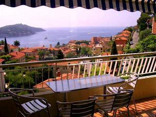 Lovely apartment with terrace and views of the sea - Villefranche-sur-Mer vacation rentals
