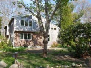 Front of house - Delightful Cape Cod House, Near Beach, Sleeps 8 - Woods Hole - rentals