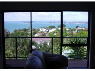 View from one of the two living areas - Cockle Bay Heights Weekly Accommodation - Auckland - rentals