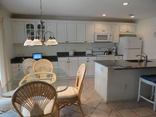 Best Value Condo: Remodeled, WiFi, W/D - Aug 10-14: $450 - Sanibel Island vacation rentals