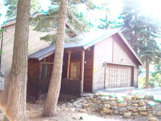 Remodeled,Tahoe Park Beach,HotTub,Forest,Fooseball - Tahoe City vacation rentals