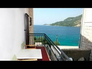 002A13DRAS  A2(2+2) - Drasnice - Supetar vacation rentals