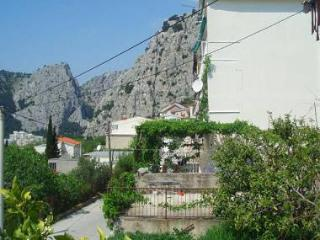 01509OMIS  R2(3) - Omis - Supetar vacation rentals