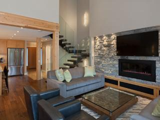 Cedar Ridge 14 | Whistler Platinum | Ski In/Ski Out - Whistler vacation rentals