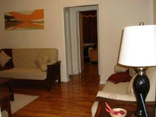 $130/ day.6 pax , 20 min Times Sq ,  1 Bed/1 Bath - Manhattan vacation rentals